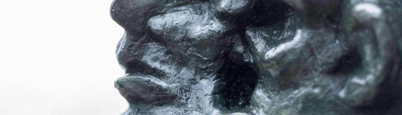 Die Skulptur von Bernd Altenstein ist eines von vielen Werken in Worpswede.