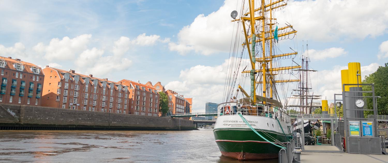 Das ehemalige Becks Werbeschiff liegt an der Bremer Schlachte.