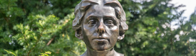 In Bremen und Worpswede findet sich Clara Westhoff-Rilkes Darstellung von Paula.